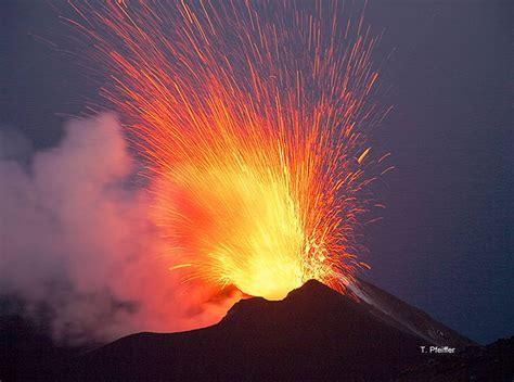 Exploding Lava L by Analyse Spectroscopique Des Gaz 233 Ruptifs Et Profondeur D