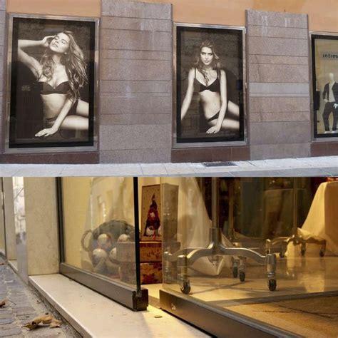 negozi scarpe porta di roma oltre 20 migliori idee su vetrine di negozio di