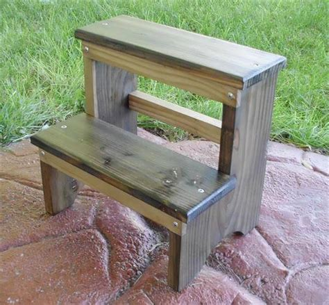 outdoor step stool diy pallet step stool outdoor bench 101 pallets