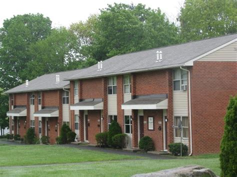 1 bedroom apartments in waterbury ct scott gardens apartments rentals waterbury ct