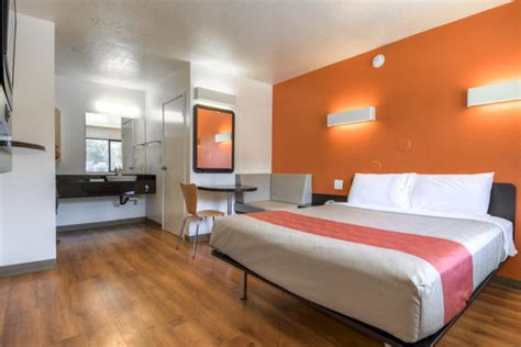 motel 6 rooms motel 6 freshens its rooms and its image travelgumbo
