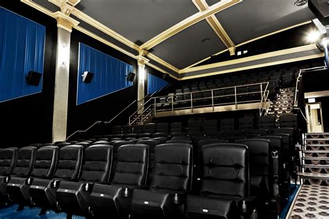 lincoln sqaure cinema historic lincoln square theater reveals 5 million