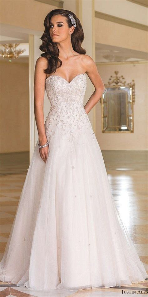 Wedding Hairstyles For Sweetheart Neckline by 100 Sweetheart Wedding Dresses That Will Drive You