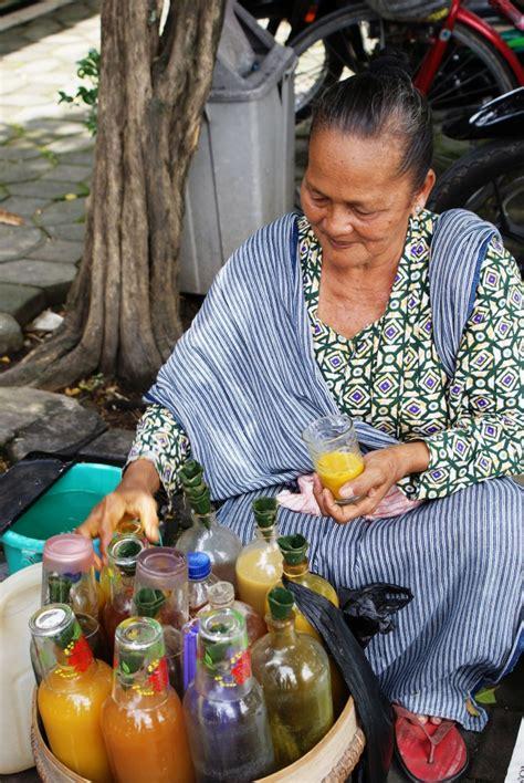 empon empon  jamu ramuan tradisional khas indonesia