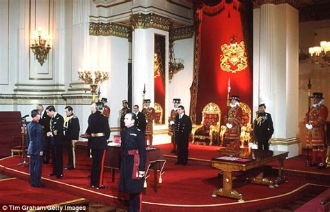 how many bedrooms are there in buckingham palace throne room buckingham palace www pixshark com images