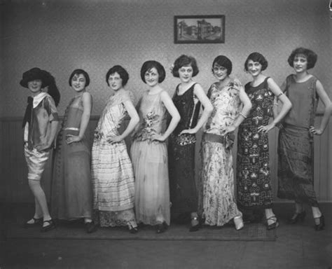 roaring 20s fashion for african americans flappers at day