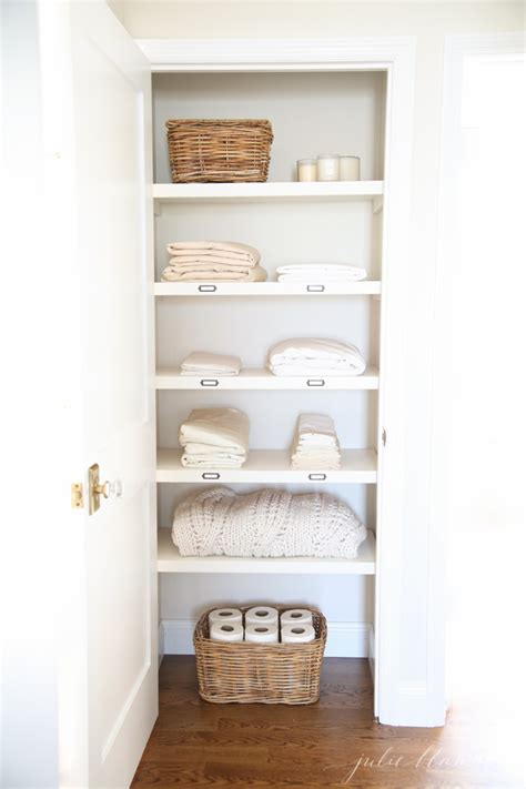 Linen Closet by 20 Beautifully Organized Linen Closets The Happy Housie