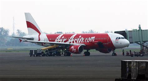 airasia ganti jadwal penerbangan dpr minta airasia ganti rugi okezone news