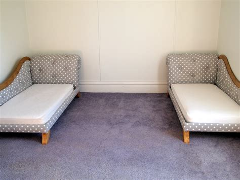 diy sofa twin mattress bed fainting couch tufting upholstery