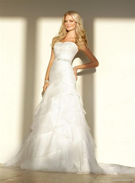 17 Best ideas about Strapless Wedding Dresses on Pinterest
