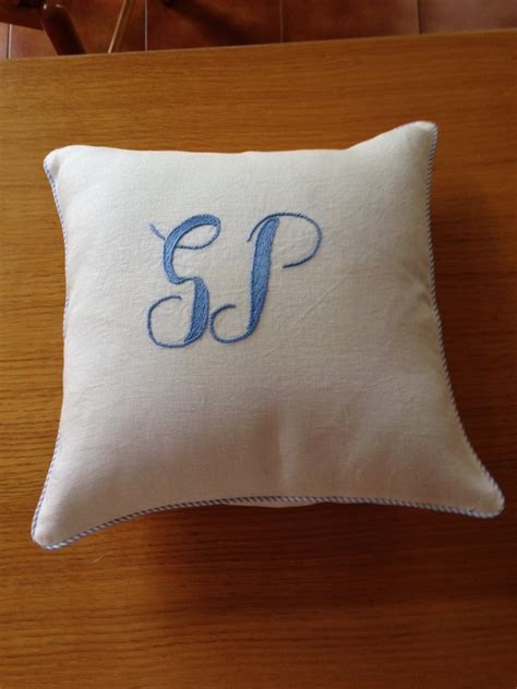 cuscini ricamati cuscini ricamati a mano per la casa e per te decorare