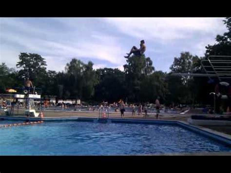 rixdorfer schwimmbad doppelter vorw 228 rts salto vom 3er im rixdorfer schwimmbad