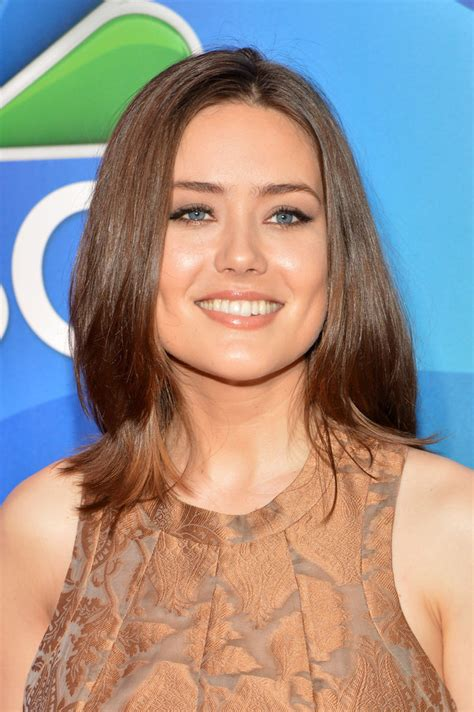 megan boone hairstyles megan boone medium layered cut medium layered cut