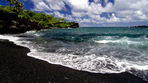 black sand beaches hawaii download beach waves wallpaper 1920x1080 wallpoper 366160