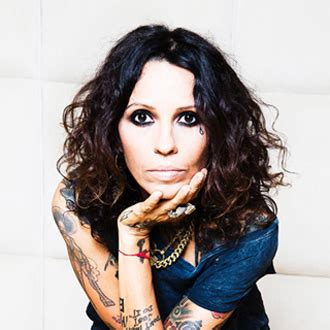 linda perry artist linda perry interview hit songwriter producer music exec