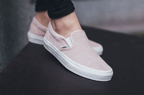 So192 Nike Slip On Pink Green vans slip on pink croc sneaker bar detroit