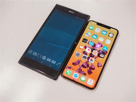 iphone xs maxはxperia z ultra難民を救えるか 画面サイズを比べてみた engadget 日本版