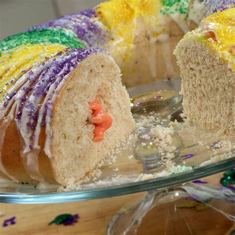 s king cake mardi gras king cake recipe dishmaps