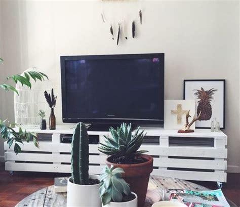mobili fatti con i bancali mobili per tv fai da te realizzati con bancali 20 idee