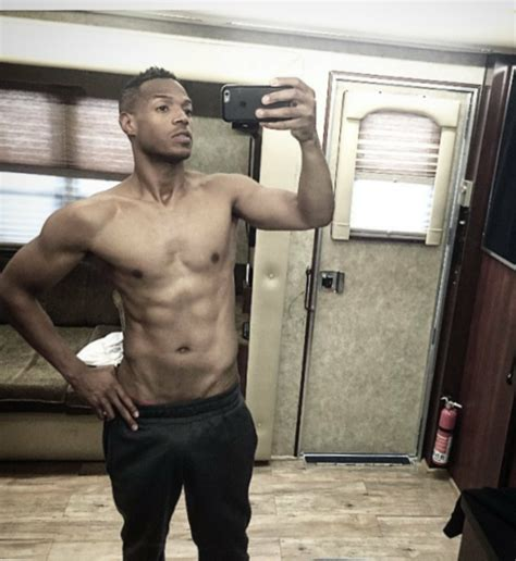 damon wayans workout marlon wayans weight height and age body measurements