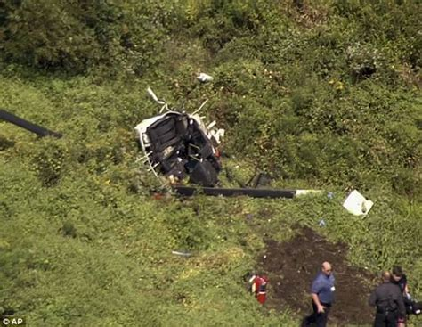 troy gentry killed   jersey helicopter crash daily mail