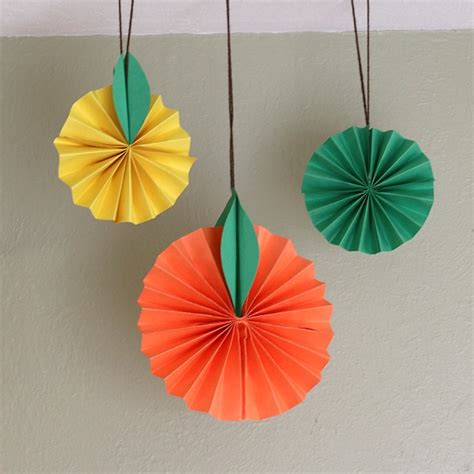 Toddler Paper Crafts - hanging citrus fruit paper craft for buggy and buddy