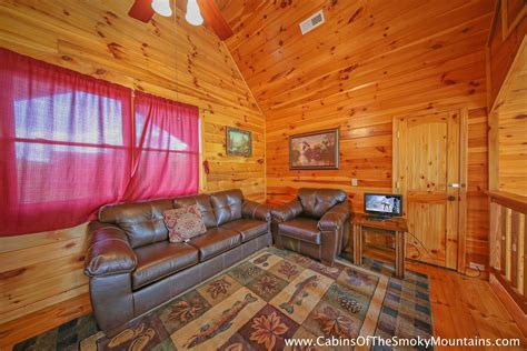 4 Bedroom Cabins In Pigeon Forge by Pigeon Forge Cabin Owl Lodge 4 Bedroom Sleeps 19