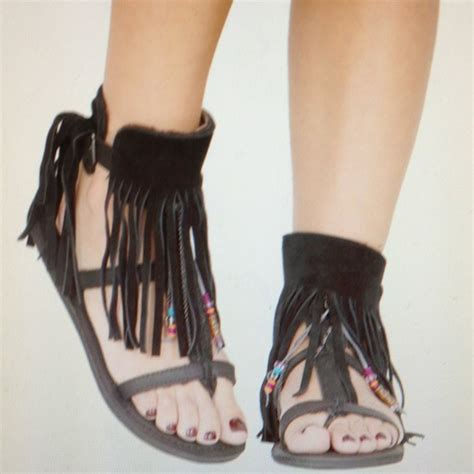 koolaburra fringe sandals 52 koolaburra shoes koolaburra gray suede fringe