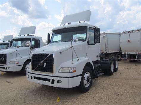 2010 volvo truck 2010 volvo vnm64t truck tractor vin sn 4v4mc9df7an292332