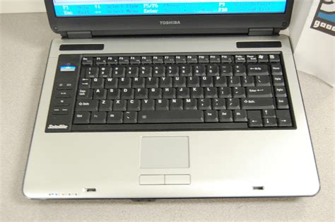toshiba satellite a135 s7403 2gb ram 15 4 quot laptop ebay