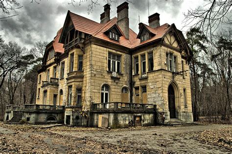 haunted houses in minnesota exploring minnesota s three most haunted houses edina realty