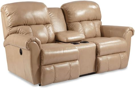 dual recliner loveseat with console briggs dual recline console loveseat by la z boy wolf