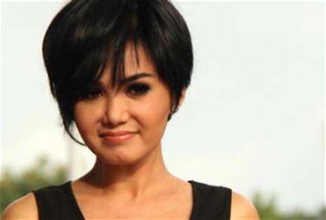 Model Rambut Yuni Shara by Kumpulan Foto Model Rambut Yuni Shara Foto Gaya Rambut
