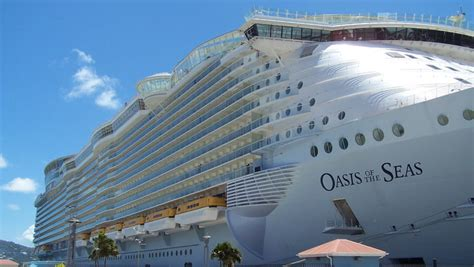 biggest boat in the world youtube oasis of the seas the biggest cruise ship in the world