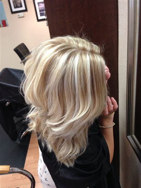 short platinum blonde with low lights cool blonde with lowlights hair styles pinterest