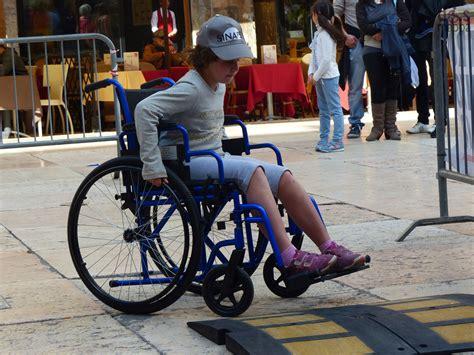 sedia per sesso roma il 40 dei bambini disabili non esce di casa