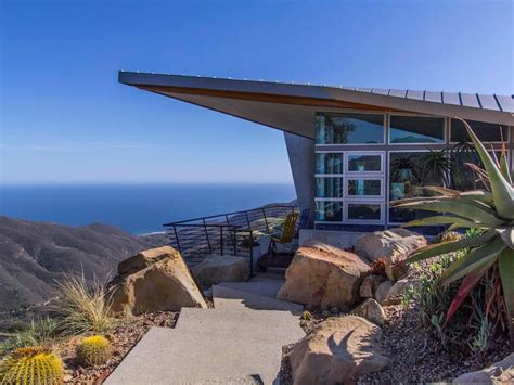 houses in malibu the glass house in malibu california