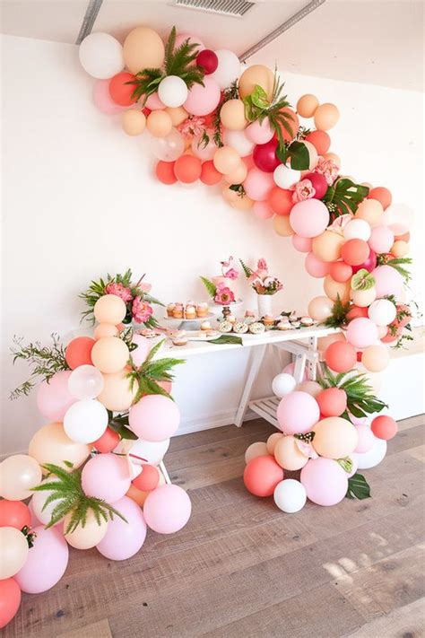 Home And Garden Christmas Decorations by 16 Balloon Garland Party Ideas Pretty My Party