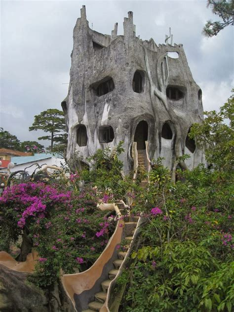 crazy houses 15 strange and unusual homes you have never seen
