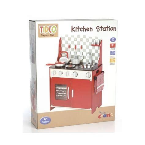 pi苹kna drewniana kuchnia dla dzieci w kolorze czerwonym
