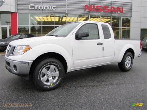 white nissan truck 2011 nissan frontier sv v6 king cab in avalanche white