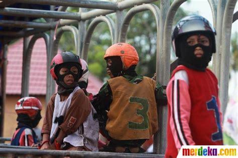 Sho Kuda Di Century foto anak anak penunggang kuda pacu merdeka