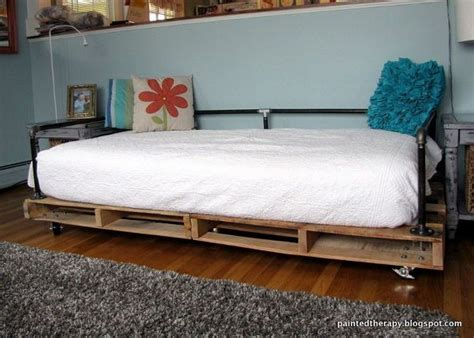 pallet day bed upcycled pallet daybed ideas pallet wood projects