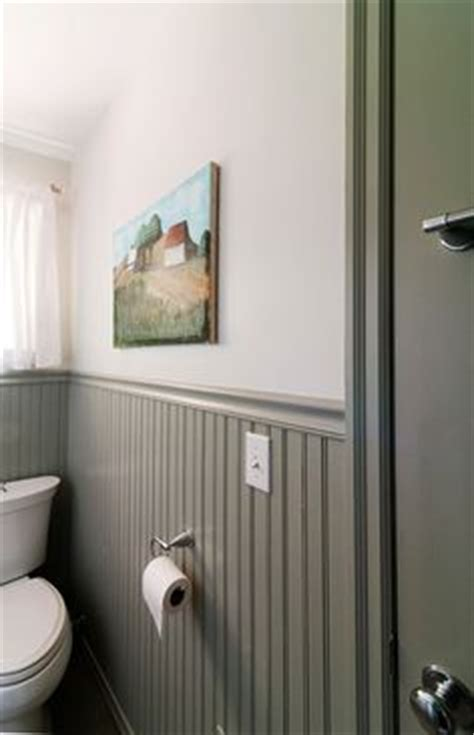 White Wall Gray Beadboard Google Search Great Room Gray Walls White Wainscoting