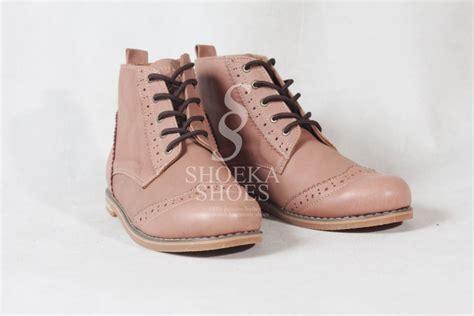 Sepatu Boot Wanita Korea ketika sepatu wanita kesayanganmu membawa masalah ga usah