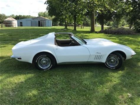9207718 1972 chevrolet corvette std classic connect