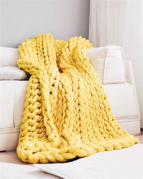 knit make one giganto blanket tutorial explains how to make a chunky