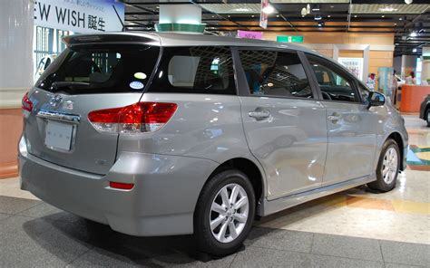 toyota wish file 2009 toyota wish 04 jpg wikimedia commons