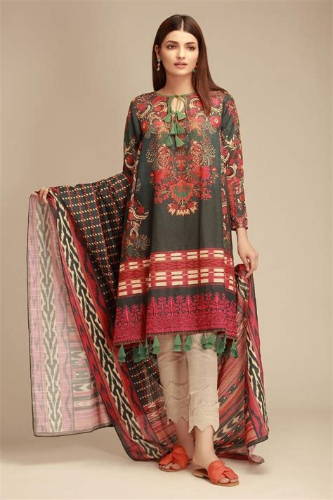 khaadi winter dresses latest collection  stylish warm