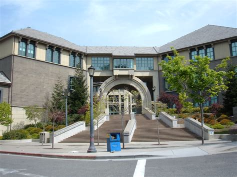 Haas Schooll Of Busineess Mba by File Haas School Of Business West Entrance Jpg
